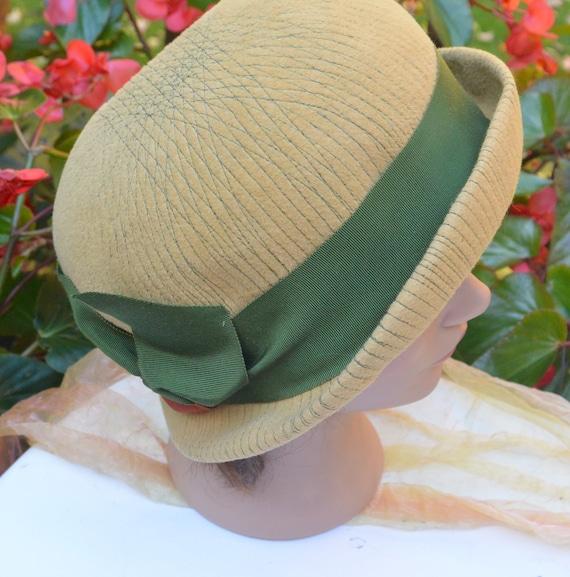 Elsa Schiaparelli Hat - Felt Cloche, Schiaparelli… - image 1