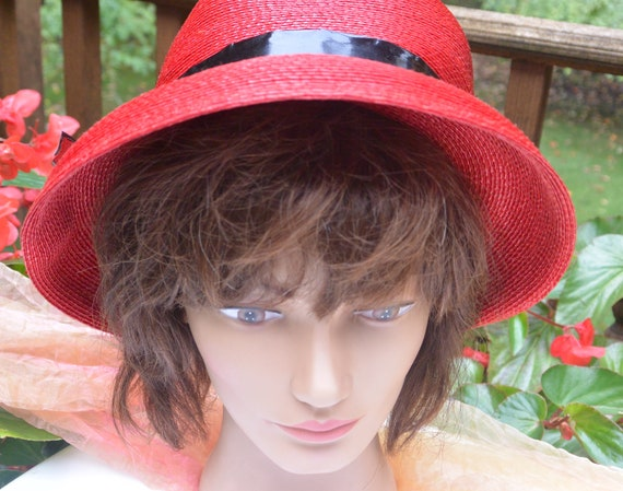 SALE! Elsa Schiaparelli Hat, Bloomingdale's NY - … - image 7