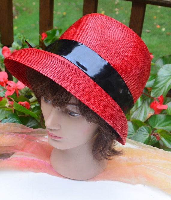 SALE! Elsa Schiaparelli Hat, Bloomingdale's NY - R