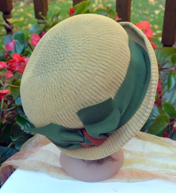 Elsa Schiaparelli Hat - Felt Cloche, Schiaparelli… - image 9