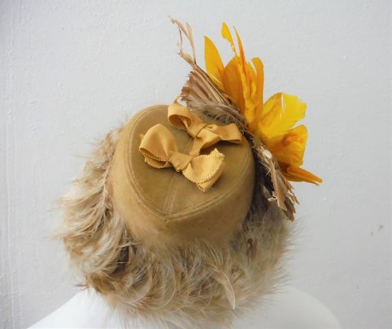 1940s Tilt Faux Birdie Hat