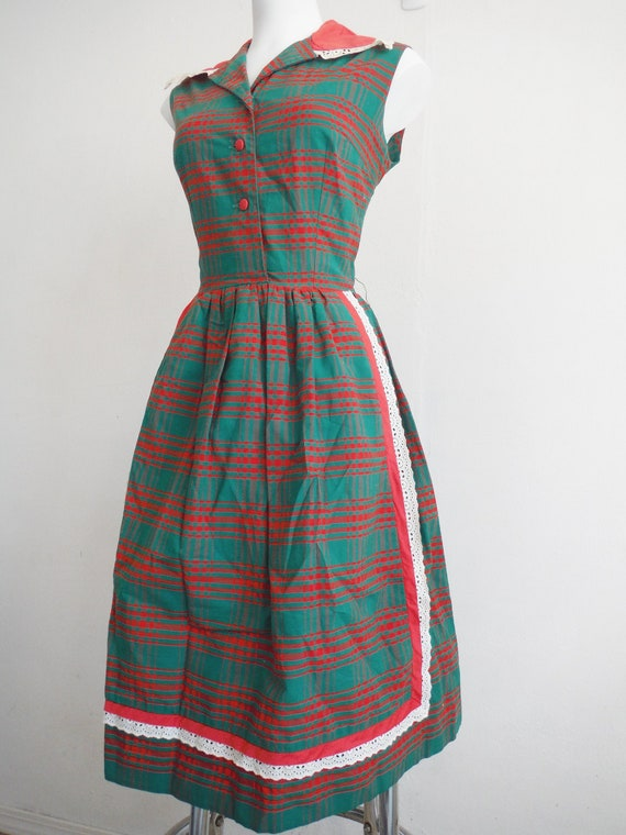 1950s Festive Red & Green Plaid Betty Barclay Dres