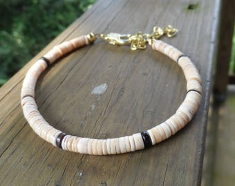 Men's Shell Bracelet in Heshi Shells with Pen Shell Accent and Antique Gold Lobster Clasp