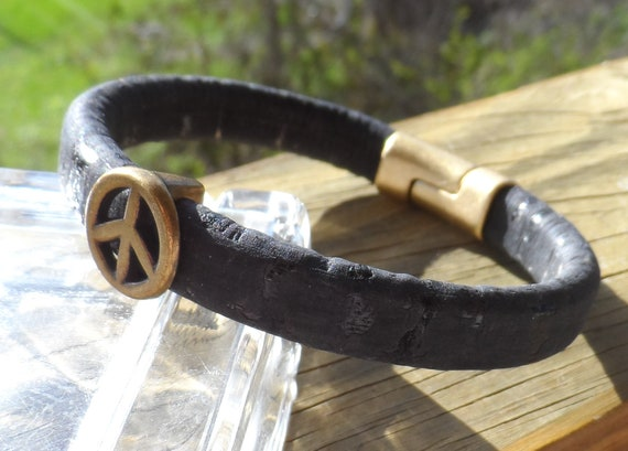 fbe06444e Men s Thick Black Leather Bracelet with SAntique Brass