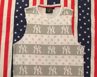 SALE New York Yankees T-shirt size medium