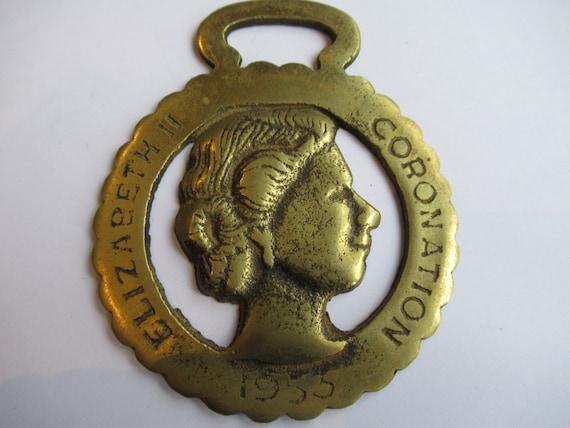 Horse Brass Queen Elizabeth II Crown Silver Jubilee Harness Brass Pub Brass Wall Decor Royal Memorabilia