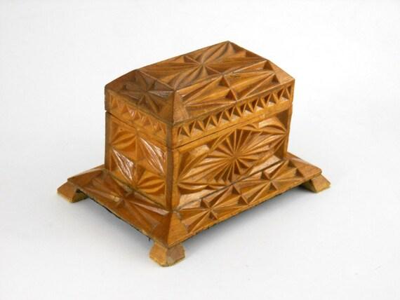 Vintage Box \u2013 Jewelry Keepsake Hand Carved Wood Bas Relief Design Platform with Legs Base Velvet Lined Interior Trinket Mirrored Lid