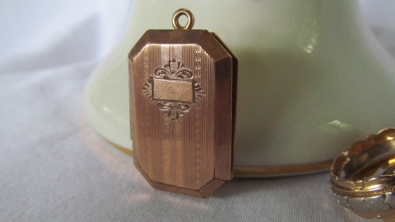 Antique Locket 1800s Victorian Rose Gold Locket 12