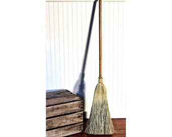 Tiny House Broom - RV Camper Broom - Sweep for Small Spaces