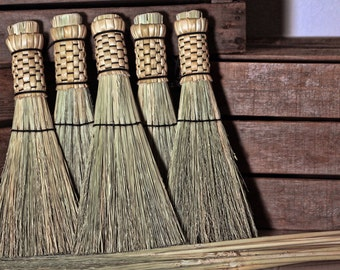 Woven Shaker Whisk Broom