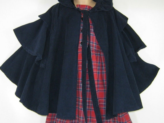 LAURA ASHLEY Vintage Girls Victorian Style Navy Ti
