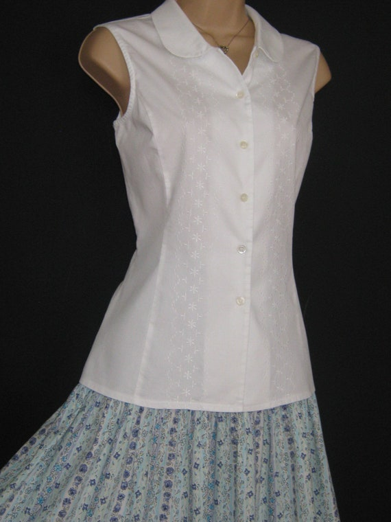LAURA ASHLEY Vintage Cotton Sleeveless Embroidered