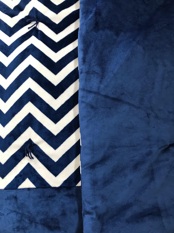 Couverture de coussin Minky Chevron bleu nuit