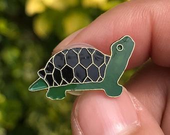 Tiny Turtle or Tortoise - Vintage Enamel Hat or Lapel Pin