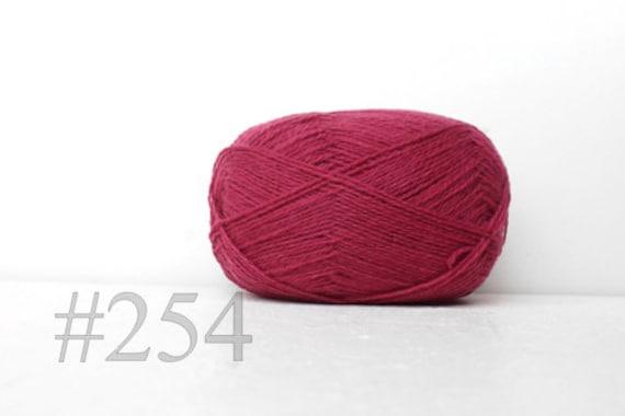bright red #560 WOOL yarn 100/%-knitting yarn