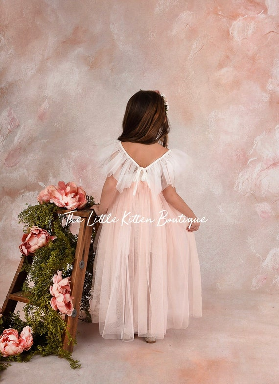 Tulle flower girl dress, bohemian flower girl dress, lace flower girl dress, Boho flower girl dress, rustic flower girl dress, tulle dress