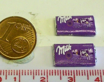 6008# 2 miniature packs with nibbles - Doll house miniature scale 1/12