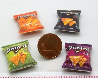 6019# 4 miniature packs with chips - Doll house miniature scale 1/12