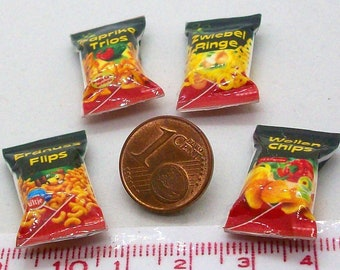6012# 4 miniature packs with chips - Doll house miniature scale 1/12