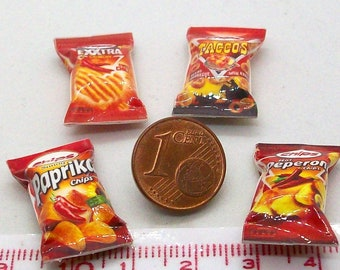 6010# 4 miniature packs with chips - Doll house miniature scale 1/12