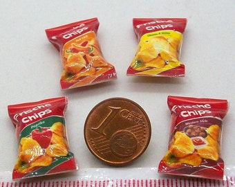 6014# 4 miniature packs with chips - Doll house miniature scale 1/12