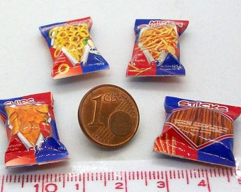 6015# 4 miniature packs with chips - Doll house miniature scale 1/12