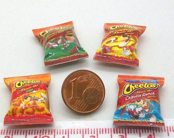6021# 4 miniature packs with chips - Doll house miniature scale 1/12
