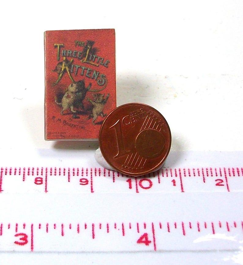 1:12 SCALE MINIATURE GOLDEN BOOK THREE LITTLE KITTENS  DOLLHOUSE SCALE