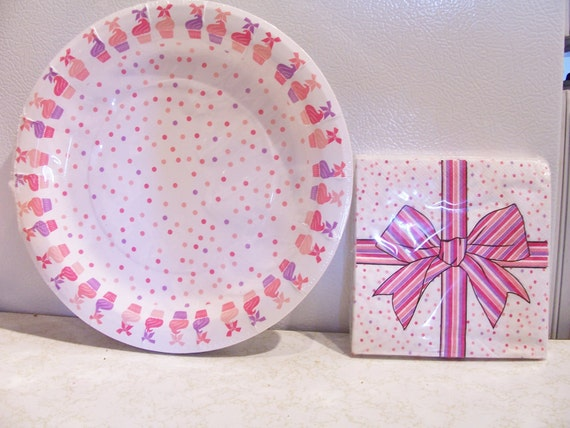 Set of pink cupcake paper plates/napkins - pink birthday party supplies - cupcake baby shower decor - pink party pack tableware from SparkleandComfort on ... : cupcake paper plates - Pezcame.Com