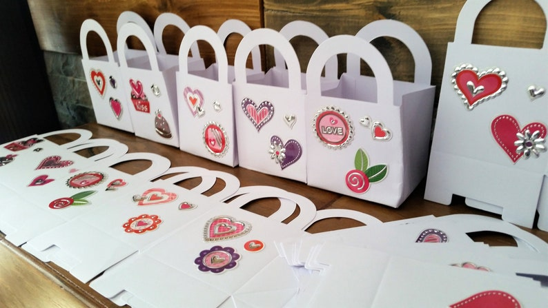 24 Redpinkpurple heart Valentine party keepsake gift boxes Valentinebirthdaywedding party favours loveheart party treat boxes