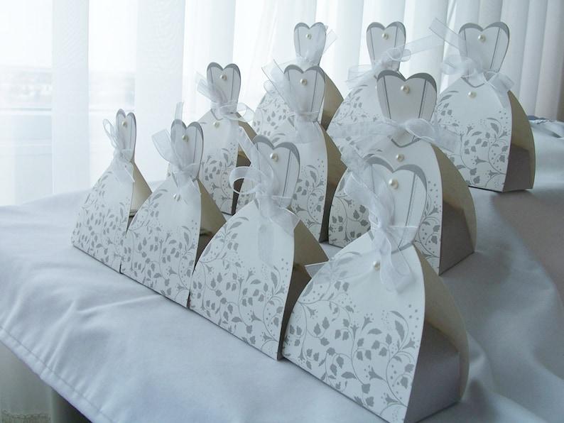 weddingengagement table decorations bride wedding dress favour boxes wedding table decor 20 Wedding party favour boxes