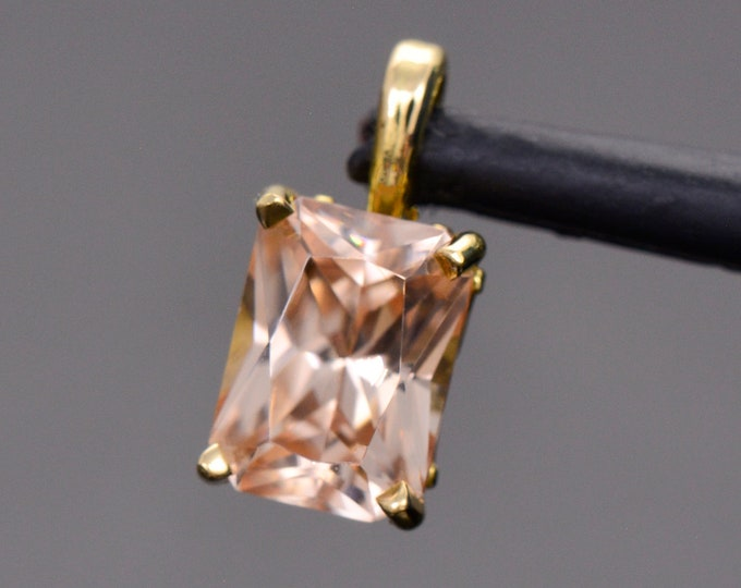 Gorgeous Champagne Pink Zircon in 18kt Yellow Gold Pendant, 2.40 cts, 8x6 mm., Radiant Emerald Cut, Scroll Design