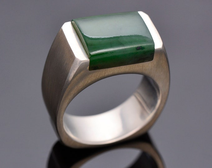 Excellent Jade Man's Ring in Sterling Silver, 15 cts., 12 Ring Size, Canadian Jade, Rectangle Cut Cabochon