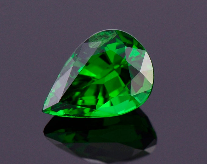 Excellent Rich Green Tsavorite Garnet Gemstone from Kenya, 0.66 cts., 6.4x4.5 mm., Pear Shape