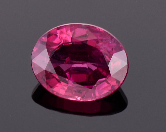 Pretty Purple Pink Rhodolite Garnet from Montana, 2.92 cts., 9.7x7.5 mm., Oval Shape