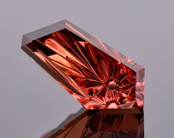 Exquisite Fantasy Cut Red Zircon Gemstone from Tanzania, 10.83 cts., 17x8 mm., Freeform Shape