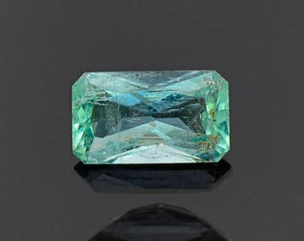 SALE! Lovely Mint Green Emerald Gemstone from Colombia 0.96 cts.