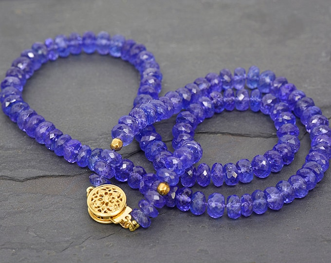 Fantastic Faceted Tanzanite Bead Necklace with 14 kt Yellow Gold Clasp 113.0 cts.
