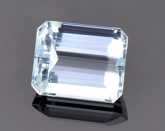 Stunning Light Blue Aquamarine Gemstone from Brazil, 7.34 cts., 12 x 10 mm., Emerald Shape