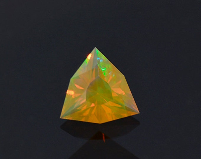 Gorgeous Orange Opal Gemstone from Ethiopia 0.87 cts