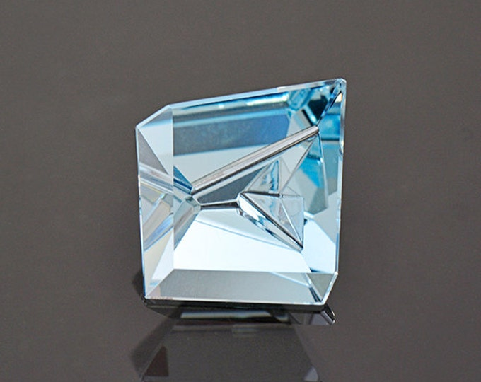 SALE! Exquisite Carved Aquamarine Gemstone from Mozambique 4.48 cts
