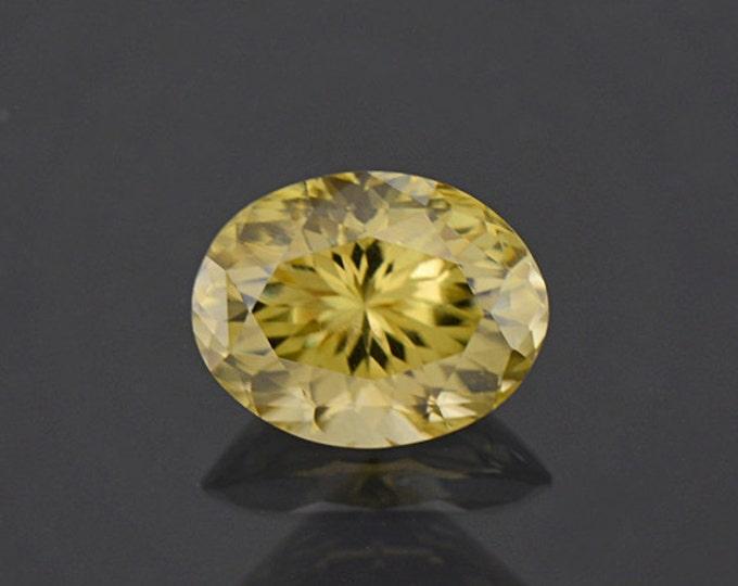 HOLIDAY SALE! Glitter Pastel Yellow Green Zircon Gemstone from Sri Lanka 4.12 cts