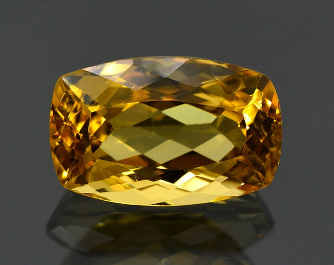 Bright Yellow Heliodor Gemstone from Brazil 5.65 cts.