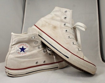 5cd9c0d1690 Very Cool White Canvas Chuck Taylor Converse All Stars
