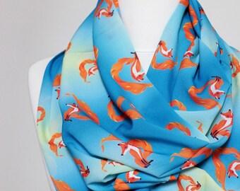 Fox pattern Infinity scarf, Circle Scarf, Loop Scarf, Scarves, Shawls, Spring Fall Winter - Summer fashion Christmas