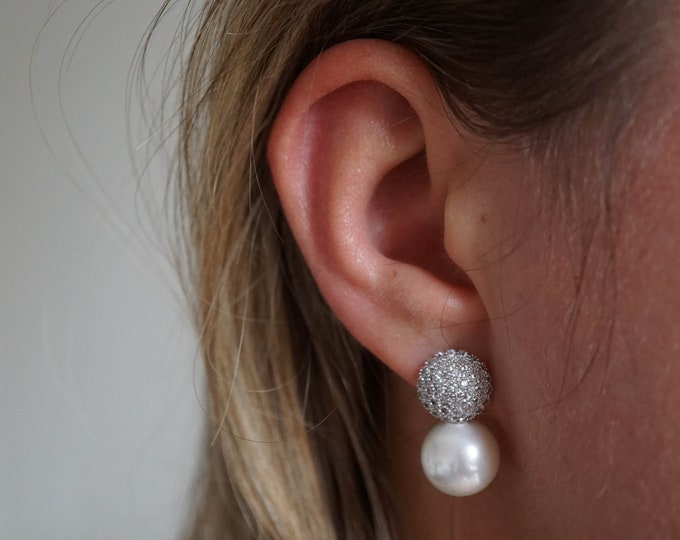 Silver Pearl Stud Glamour Earrings