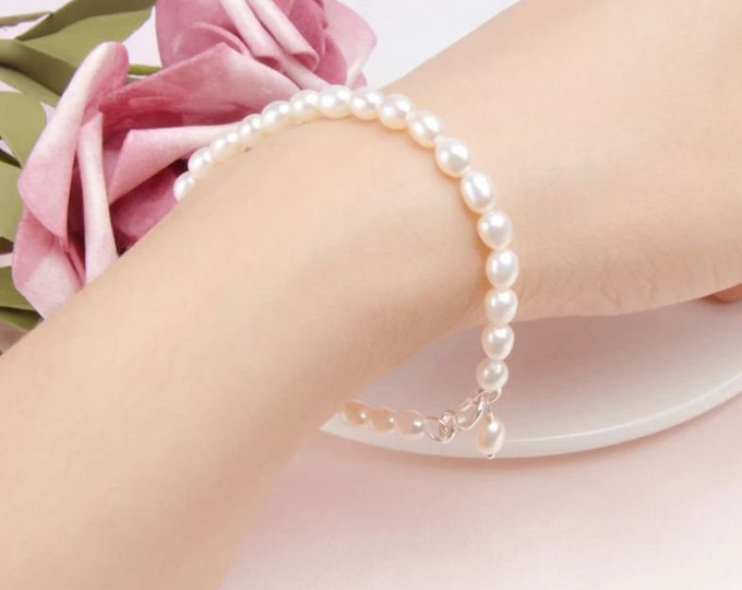 Real Fresh Pearl Silver Bracelet in Ivory Cream White or Black with a Teardrop Dangle - Perfect gift for bride, bridesmaid or bestfriend
