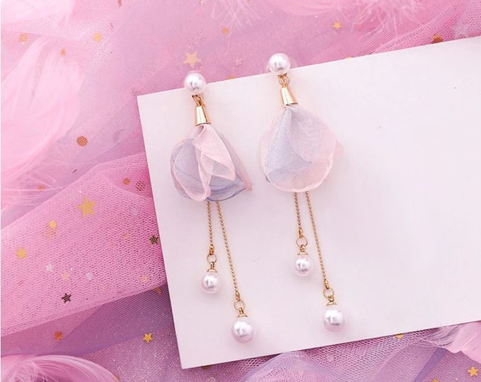 Lovely Geometric Pink Earrings // Dangle & Drop Earrings