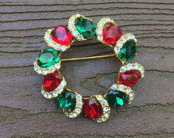 Vintage Jewelry Gorgeous Christmas Wreath Pin Brooch