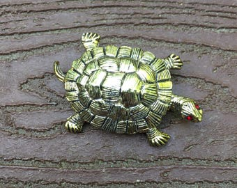 Vintage Gerry's Gold Tone Turtle Pin Brooch